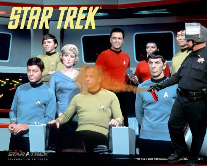 Pepper-spraying-cop-john-pike-spraying-captain-kirk-and-crew-of-star-trek